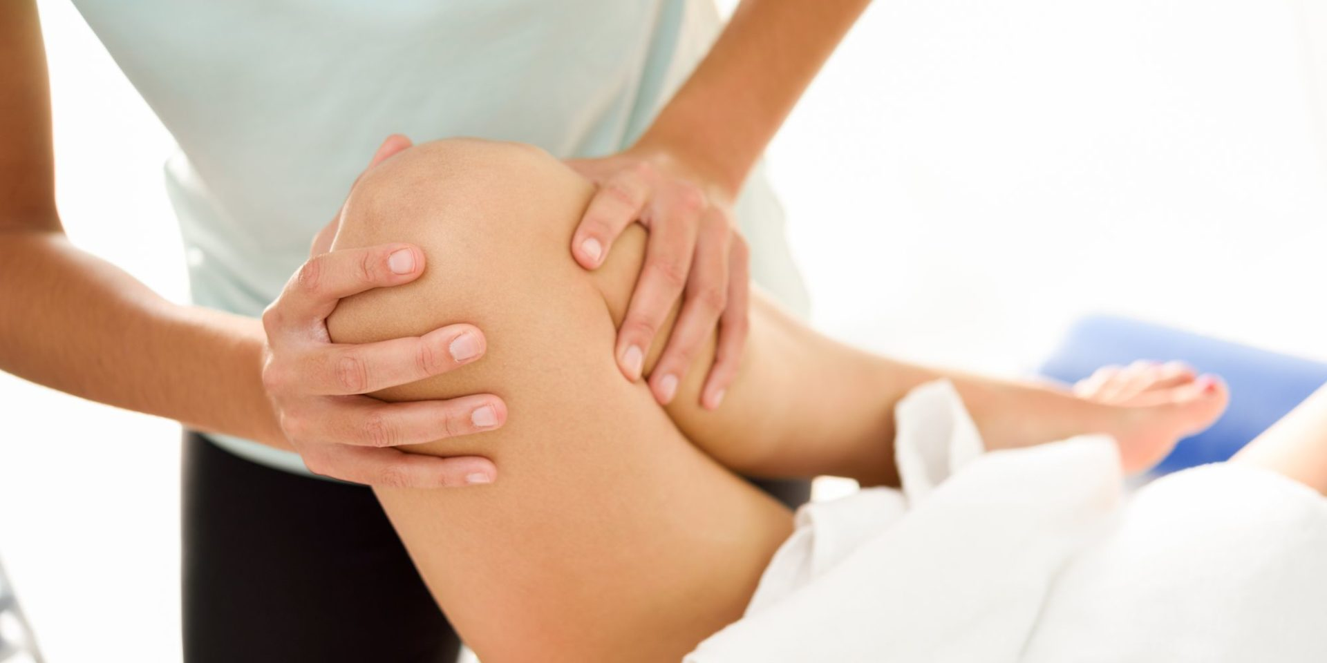 Fizijatar je lekar specijalista fizikalne medicine i rehabilitacije. Pregled fizijatra obuhvata opšti pregled i specijalni deo pregleda.