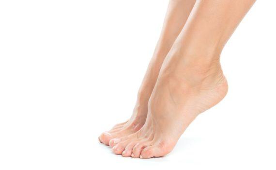 Spušteno ravno stopalo (PES PLANOVALGUS) je smanjenje ili gubitak fizioloških svodova stopala i valgus zadnjeg dela stopala.