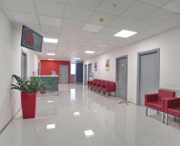 Euromedik je najveći privatni zdravstveni sistem u Srbiji, osnovan 2002. godine sa ciljem da korisnicima omogući najkvalitetniju medicinsku uslugu od strane vodećih specijalista i subspecijalista iz gotovo svih oblasti medicine, uz korišćenje najsavremenije i sertifikovane medicinske opreme. Euromedik se trudi da preglede obavlja po najpovoljnijim cenama, zbog čega smo afirmisani kao ustanova sa najboljim odnosim kvalitet-cena u korist klijenta.