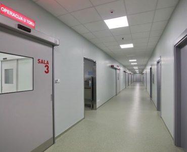 Hirurške intervencije obavljaju se u visokospecijalizovanom centru Euromedik, najsavremenijem i najvećem lancu privatnih zdravstvenih ustanova u Srbiji.