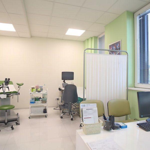 Preglede obavljamo u prijatnom ambijentu naših deset ustanova u Beogradu( tri opšte bolnice, pet domova zdravlja i dve poliknike), bez čekanja.