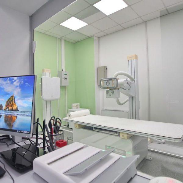 Radiografija je bezbolna i neinvazivna dijagnostička metoda koja se zasniva na primeni X zraka za snimanje različitih delova tela i organa.